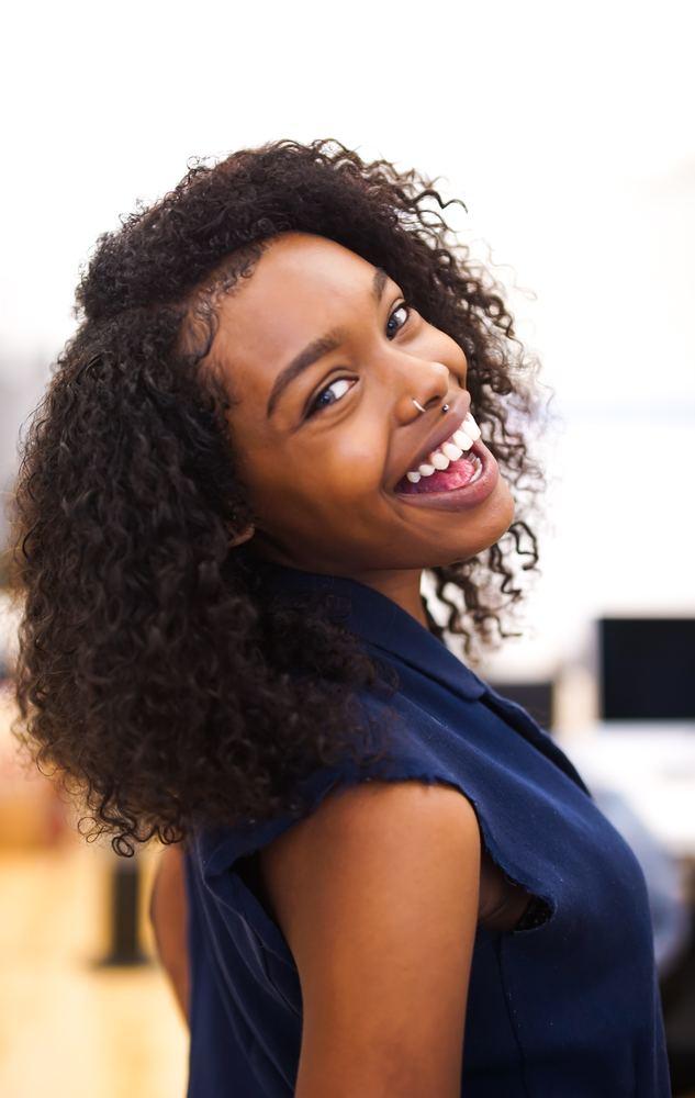 Besök tandläkare för att hålla tänderna friska och fräscha